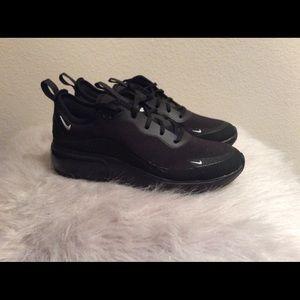 Nike AirMax Dia Women's Casual Shoes